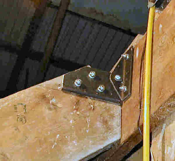 Hinge Right Upward